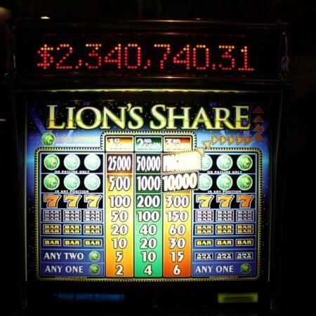 Hráč vyhrál $2,4m na stroji, na němž 15 let nepadl jackpot