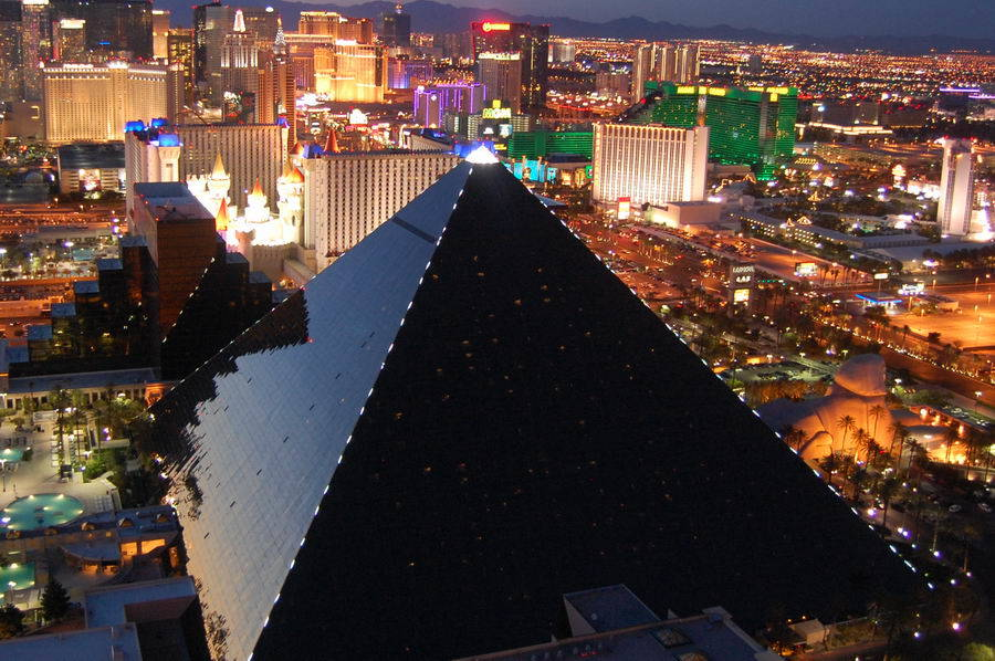 luxor-hotel-casino-Las-Vegas-Search4ahotel