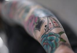 Nakouknutí na oblíbená gamblerská tetování