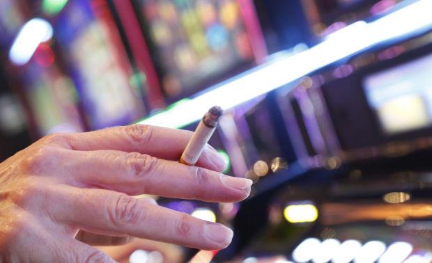 Casino dealer: Vysněná práce nebo noční můra?