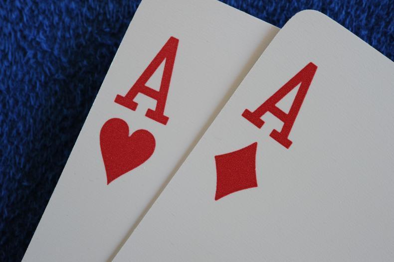 Oko bere: Stará česká hazardní hra podobná Blackjacku