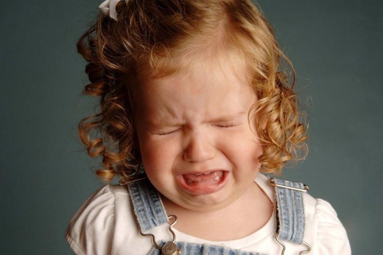 Matka si skočila roztočit automaty, dvouletou dcerku nechala bez dozoru