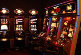 Přišel konec kamenných heren. Kde si můžete zahrát automaty?